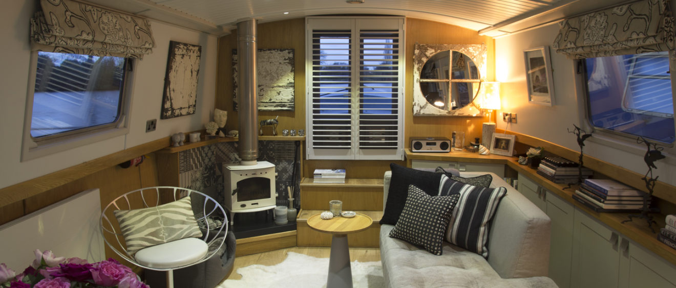 Decorbuddi Houseboat Design