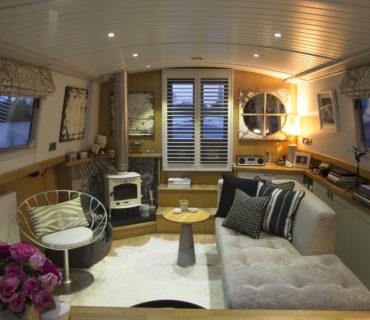 Decorbuddi Houseboat Design