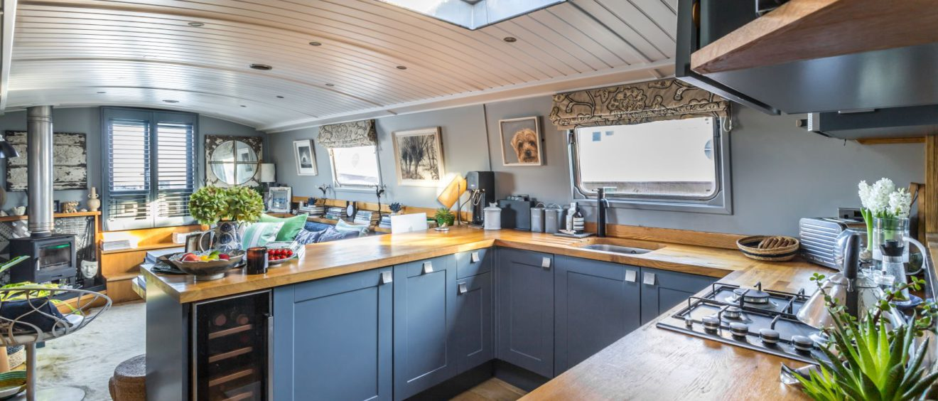 blue_kitchen_interior_in_houseboat